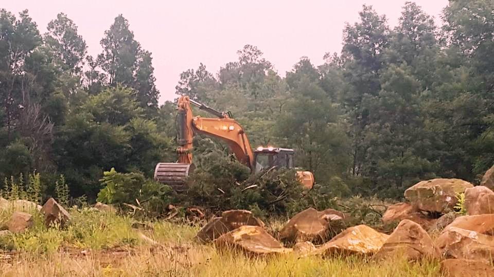 Jackal Creek Rock Breaking 2a