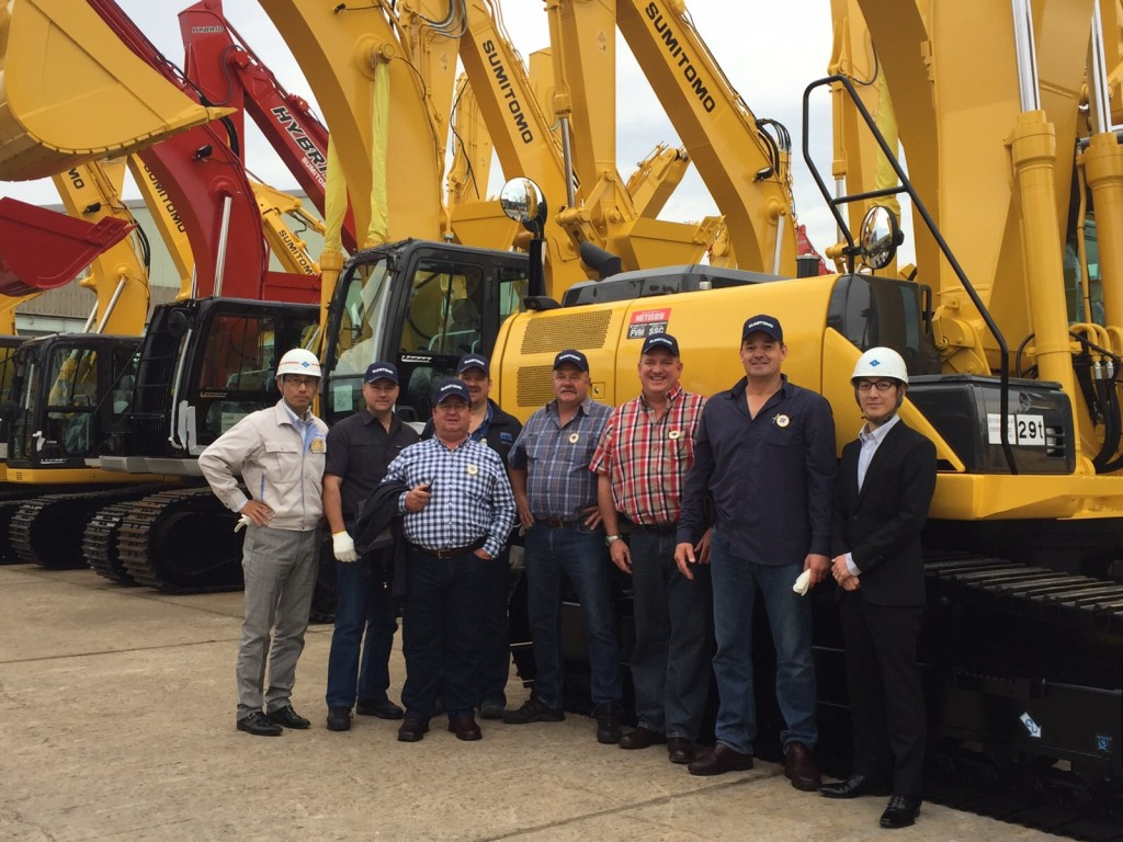 Nico Louw visits the SUMITOMO (S.H.I.) Construction Machinery Co., Ltd.